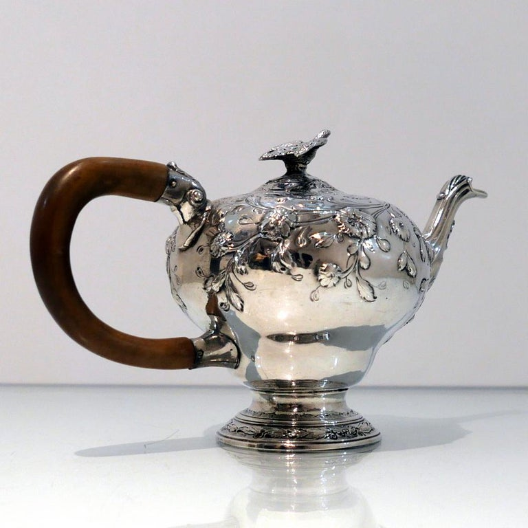 George III Sterling Silver Rococo Teapot London 1763 William & Robert Peaston In Good Condition For Sale In 53-64 Chancery Lane, London