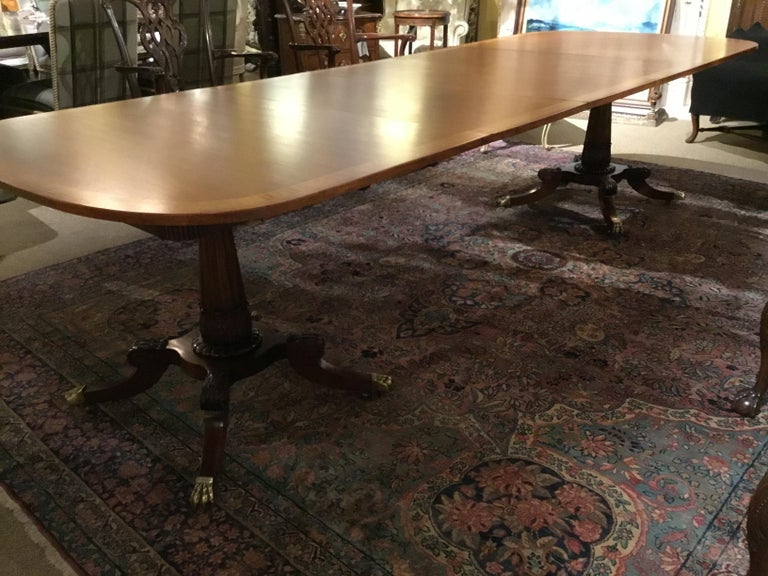 20th Century George III-Style Mahogany Dining Table, Banded and Rounded Rectangular Top For Sale