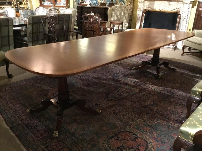 George III-Style Mahogany Dining Table, Banded and Rounded Rectangular Top For Sale 1