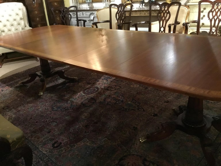 George III-Style Mahogany Dining Table, Banded and Rounded Rectangular Top For Sale 3