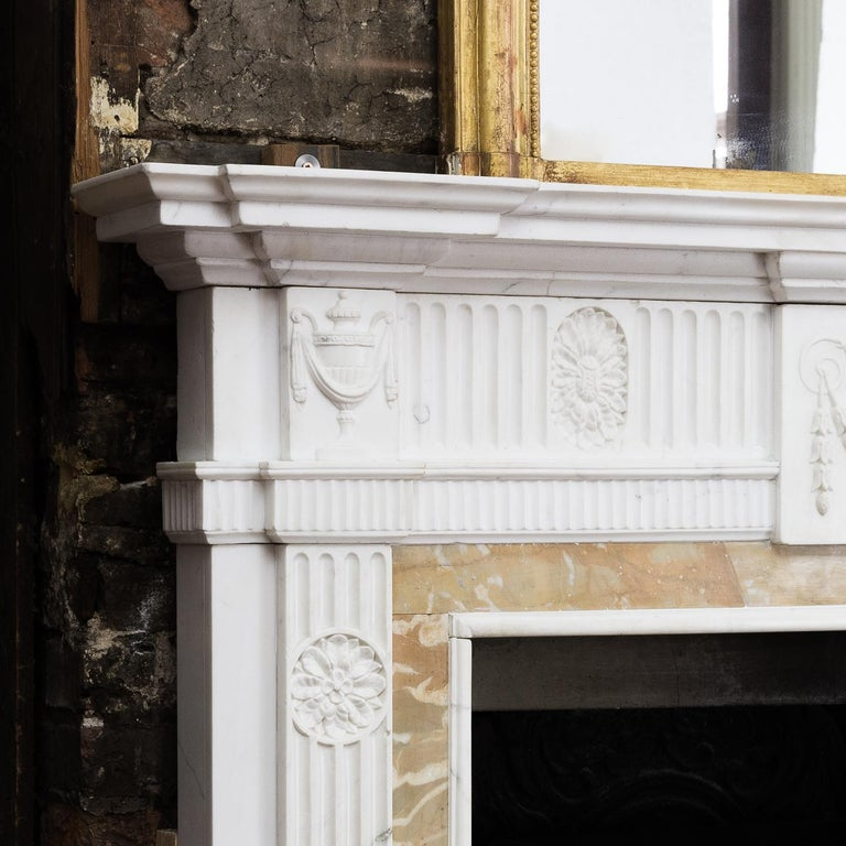 George III Style Statuary and Sienna Marble Neoclassical Fireplace In Good Condition For Sale In London, GB