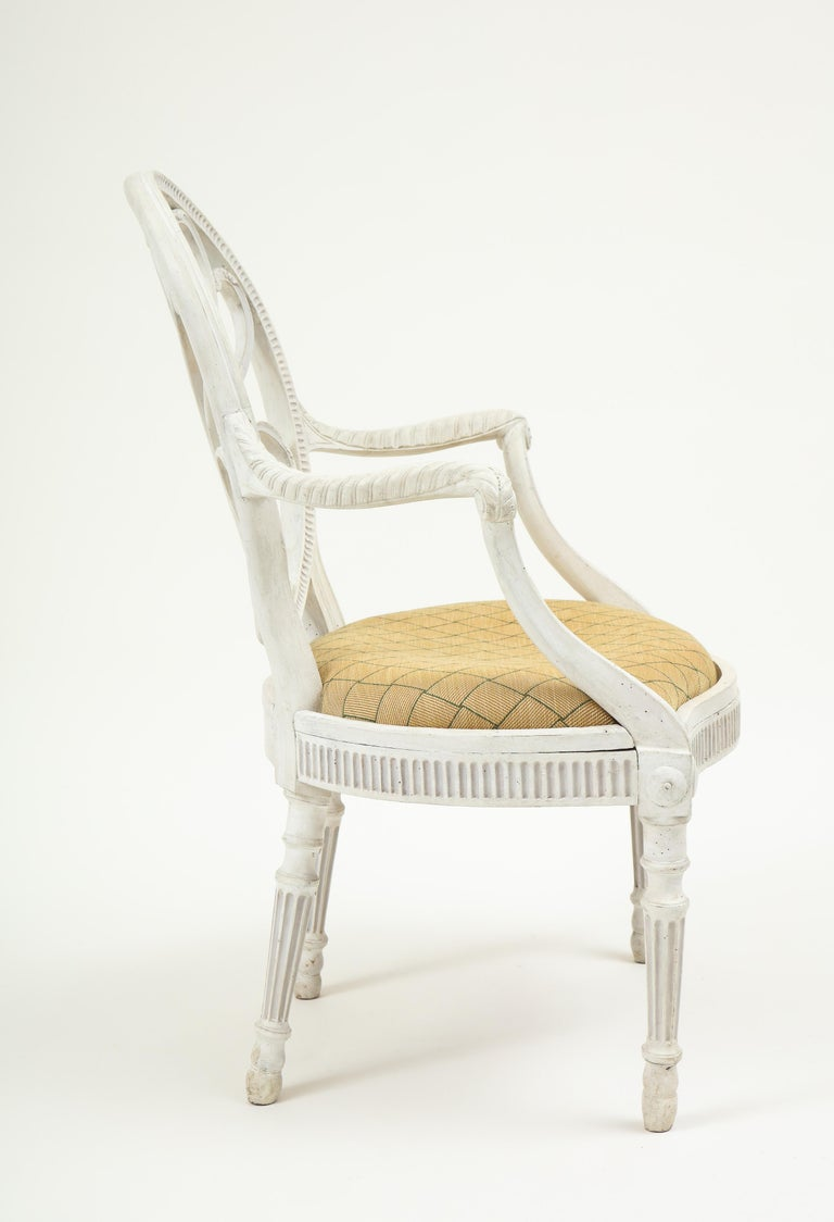 George III White-Painted Armchair Attributed to Gillows In Good Condition For Sale In New York, NY