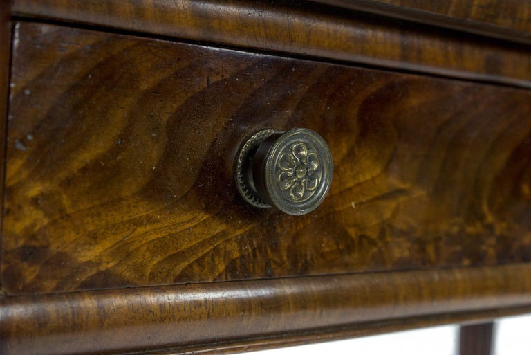 George IV Figured Mahogany Side or Writing Table Attributed to Gillows In Good Condition For Sale In Northwich, GB