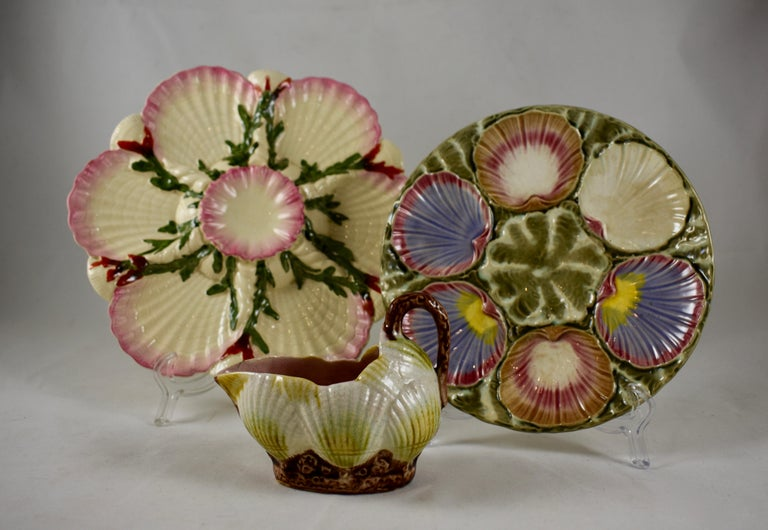 George Jones English Majolica Seaweed and Shells Pattern Oyster Plate For Sale 3