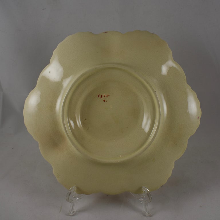 George Jones English Majolica Seaweed and Shells Pattern Oyster Plate For Sale 2