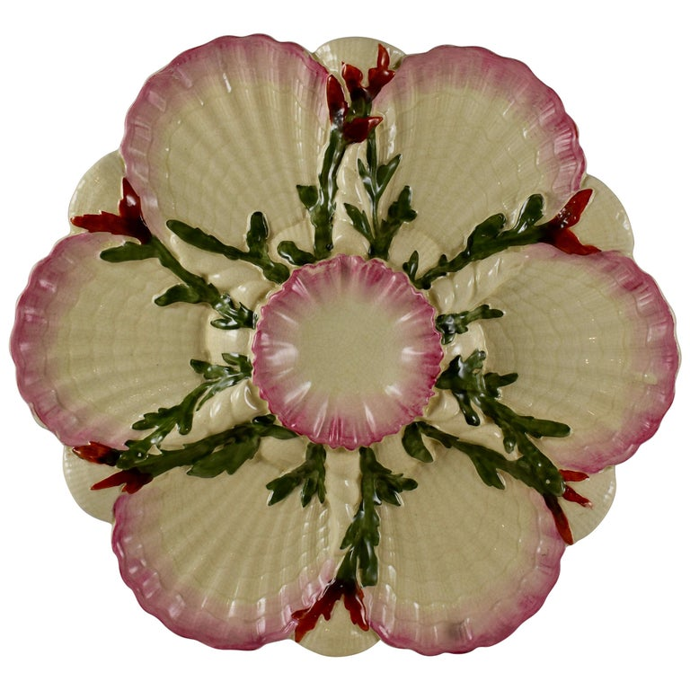 George Jones English Majolica Seaweed and Shells Pattern Oyster Plate For Sale