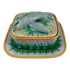 George Jones English Palissy Majolica Glazed Three-Piece Sardine Serving Box