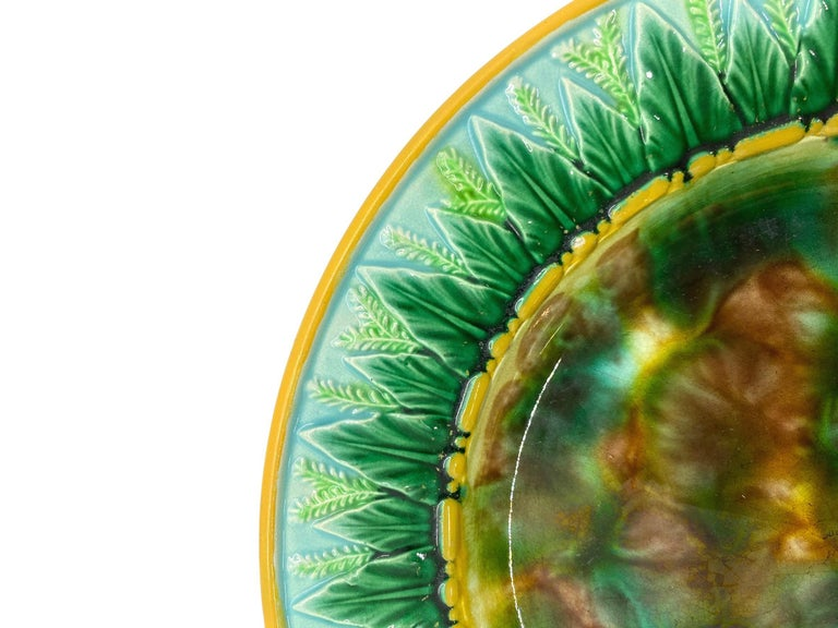 George Jones Majolica Plate with Mottled Center, Green Leaves on Turquoise In Good Condition In Banner Elk, NC
