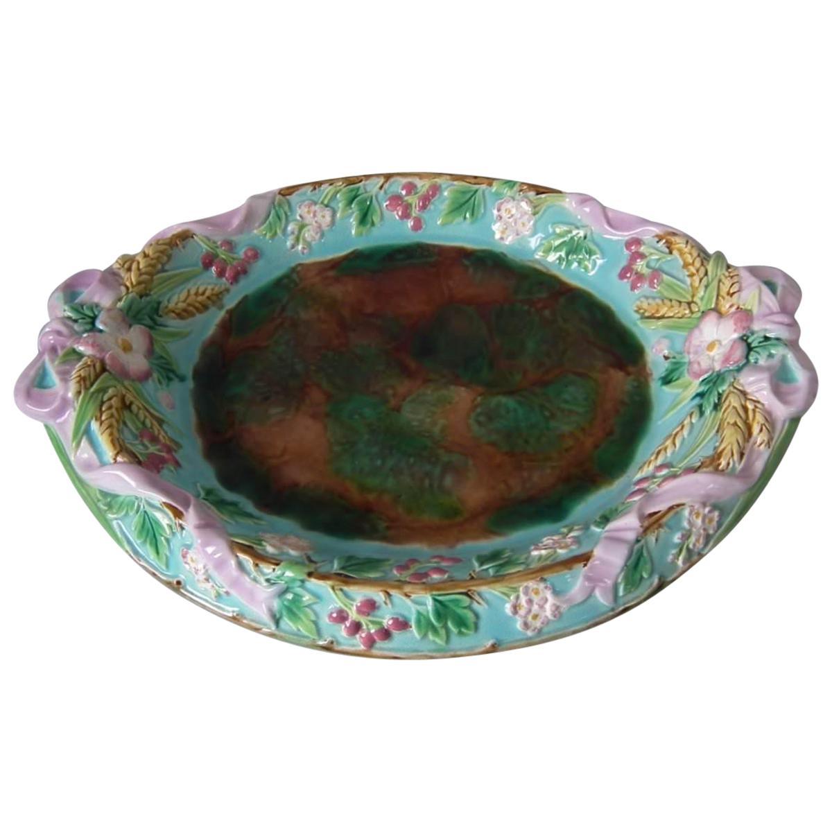 George Jones Majolica Bread Platter
