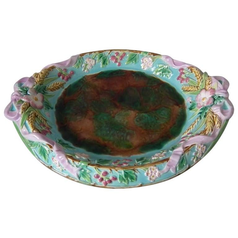 George Jones Majolica Bread Platter For Sale