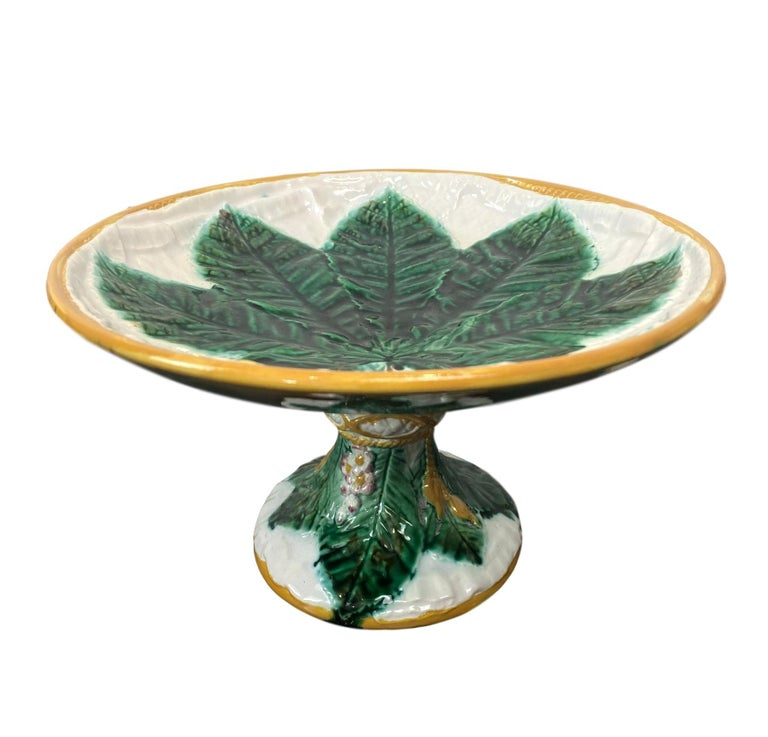 George Jones Majolica Comport, Horse Chestnut Leaf on Napkin, English For Sale 5