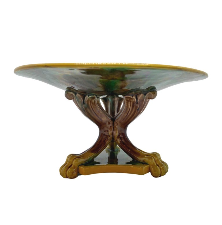 English George Jones Majolica Compote, Mottled Center, Green Leaves on Turquoise, 1870 For Sale