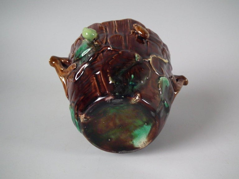 George Jones Majolica Insect Pot and Cover For Sale 12