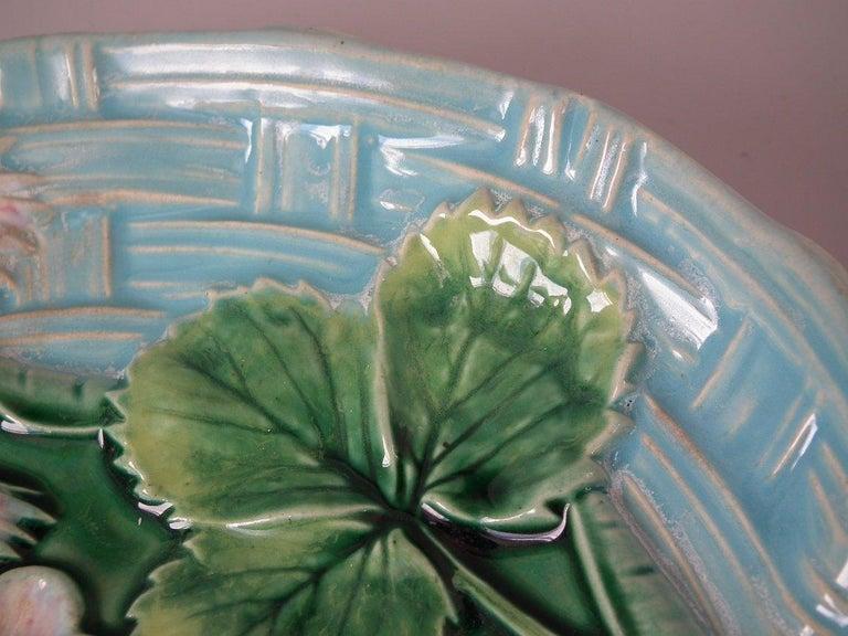 George Jones Majolica Pond Lily Strawberry Server For Sale 9
