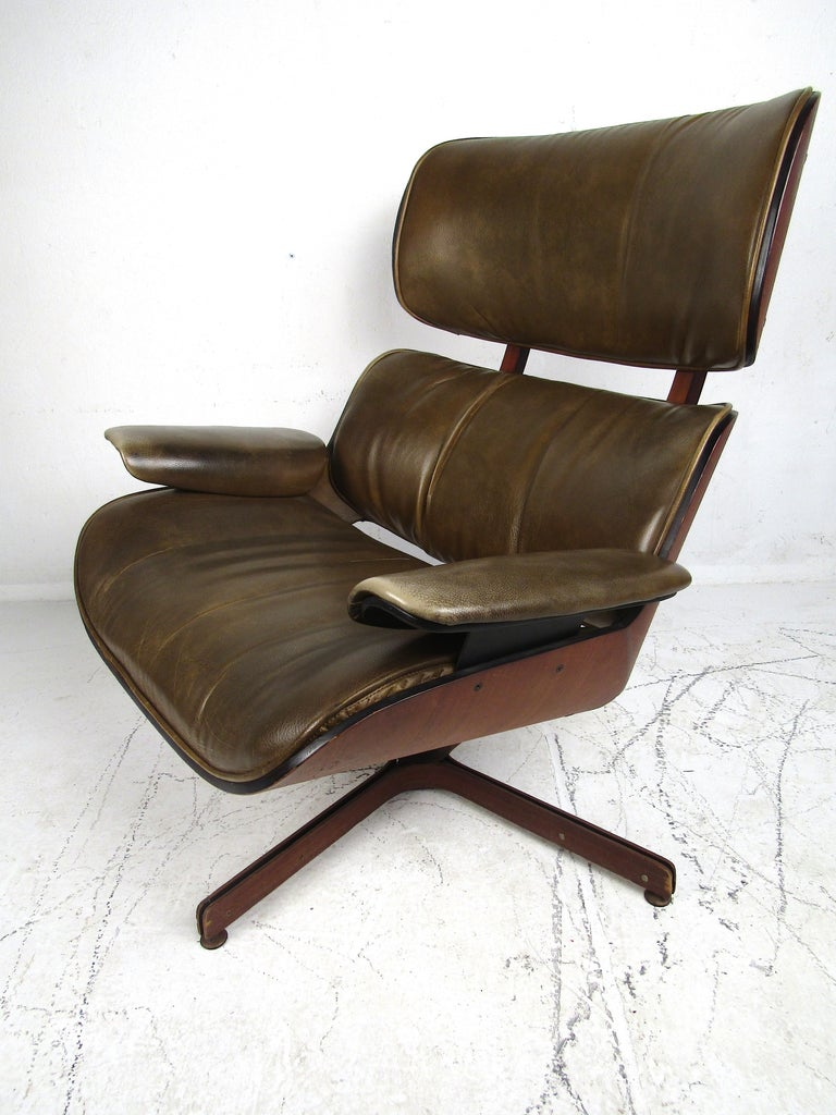George Mulhauser Bentwood Swiveling Lounge Chair and Ottoman for Plycraft For Sale 1