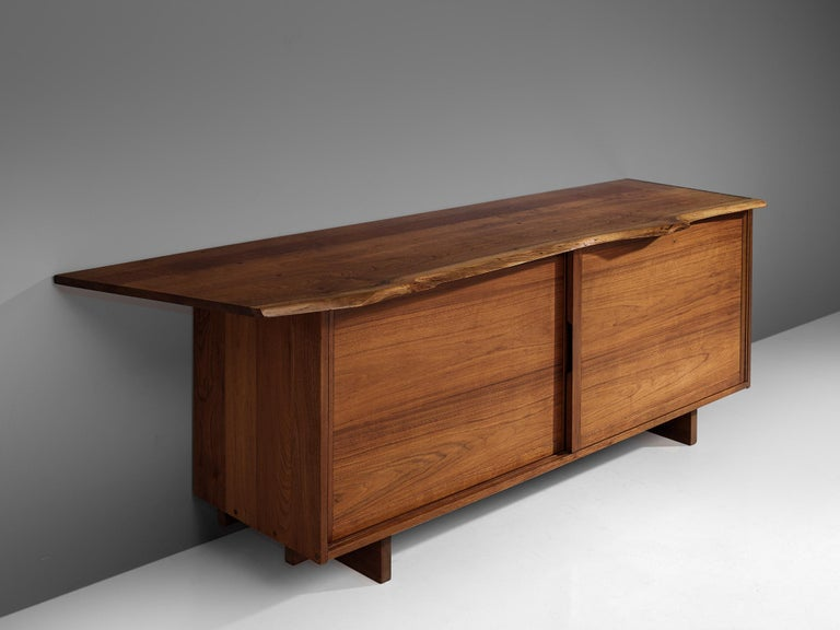 George Nakashima Cabinet with Sliding Doors, 1958 In Good Condition For Sale In Waalwijk, NL