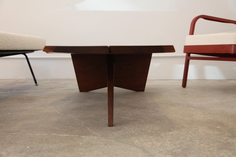 American George Nakashima, Free-Form Slab Coffee Table, circa 1960 For Sale