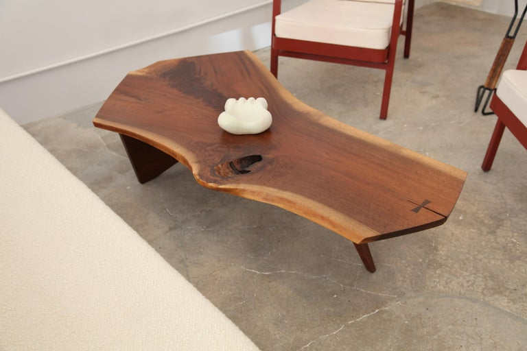 George Nakashima, Free-Form Slab Coffee Table, circa 1960 In Excellent Condition For Sale In Brooklyn, NY
