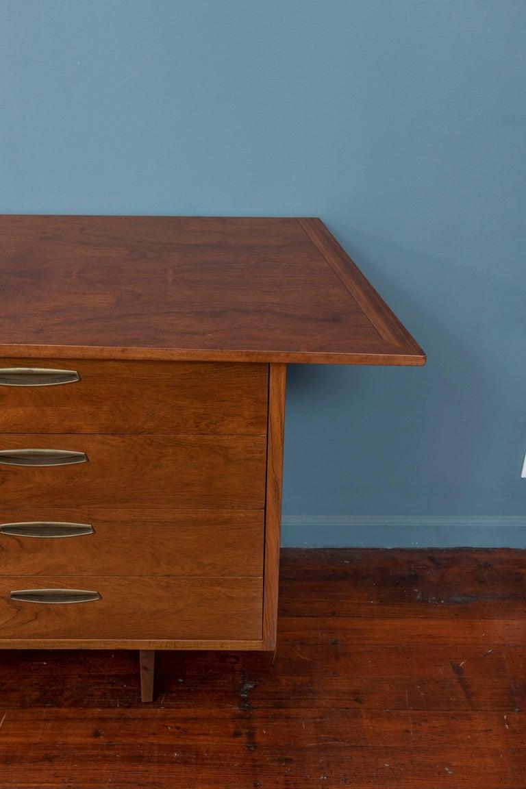 Mid-Century Modern George Nakashima Origins Dresser for Widdicomb For Sale