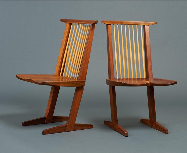 George Nakashima, Rare Sculptural Pair of Conoid Chairs in Walnut, Signed, 1989 For Sale 1
