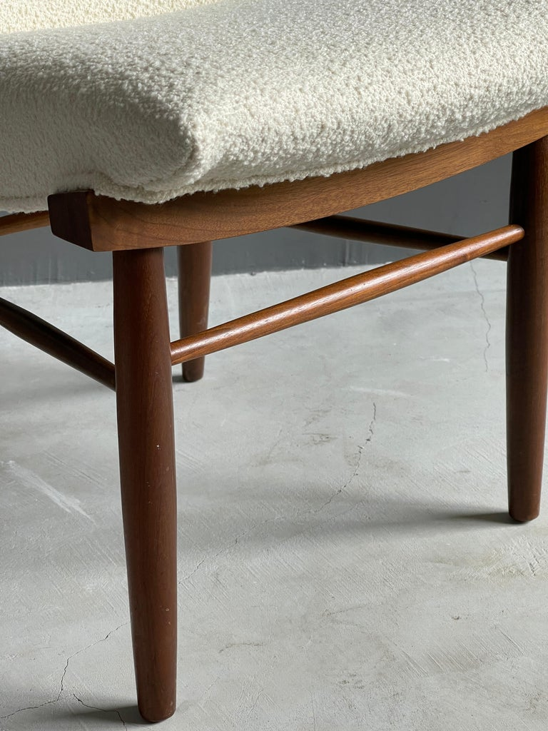 American George Nakashima, Side Chair, White Bouclé, Walnut, for Widdicomb, America 1960s For Sale