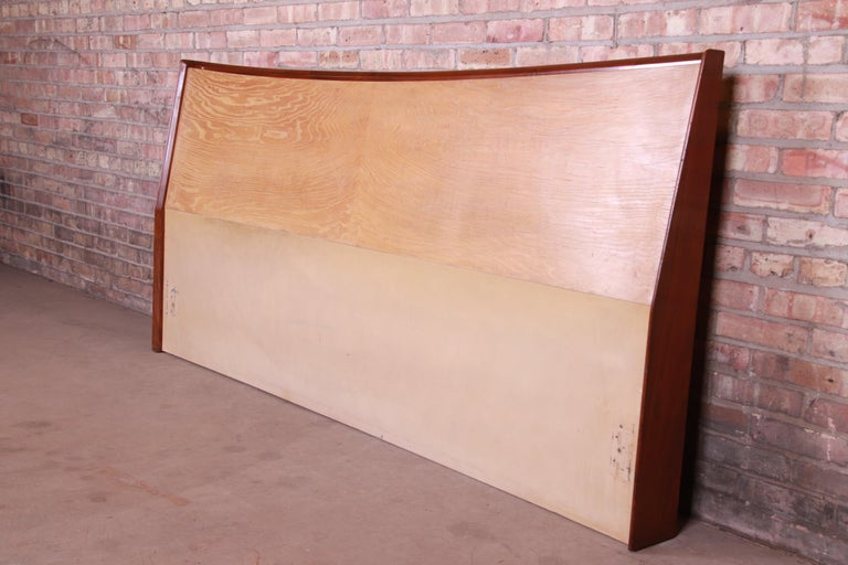 A gorgeous Mid-Century Modern walnut and hickory king size headboard  In the manner of George Nakashima,  USA, circa 1960s  Measures: 82