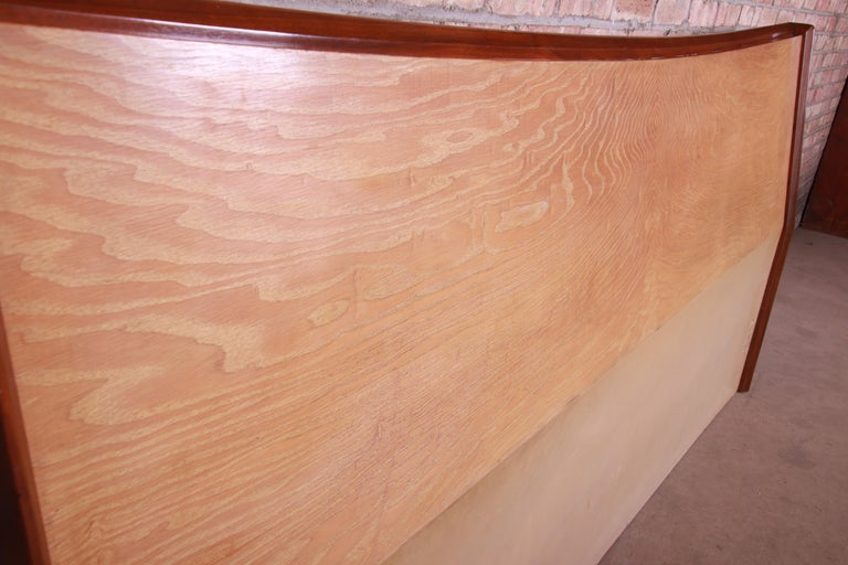 George Nakashima Style Walnut and Hickory King Size Headboard, circa 1960s In Good Condition In South Bend, IN