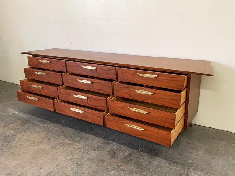 George Nakashima Walnut Sideboard Credenza, 1950s For Sale 4