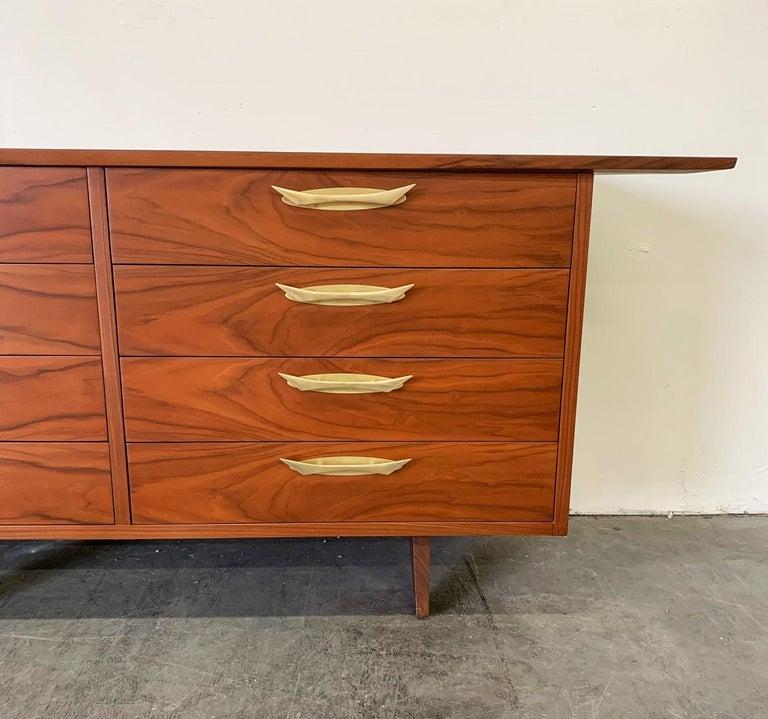 George Nakashima Walnut Sideboard Credenza, 1950s For Sale 11