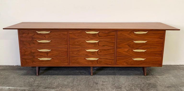 Mid-Century Modern George Nakashima Walnut Sideboard Credenza, 1950s For Sale