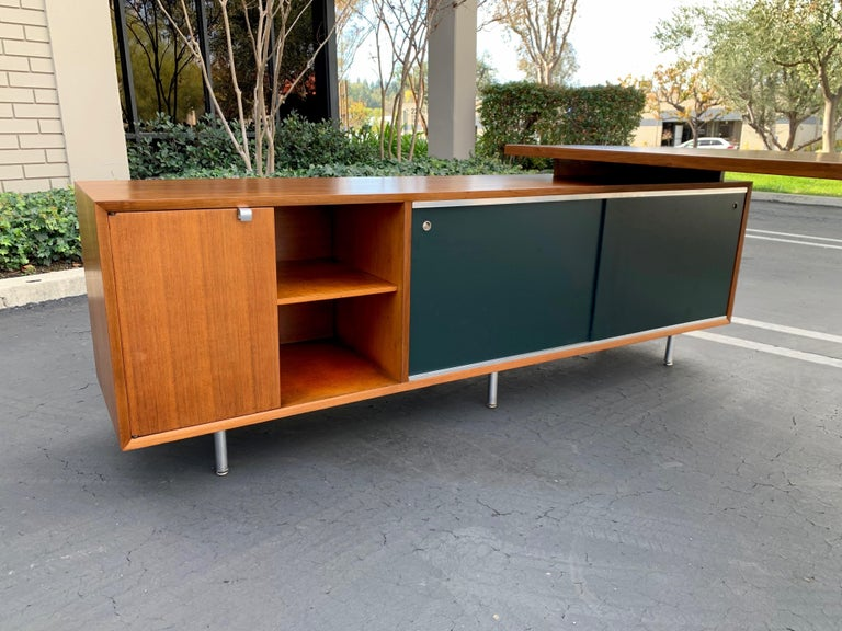 George Nelson for Herman Miller Executive Desk with Credenza Return In Good Condition In Laguna Hills, CA