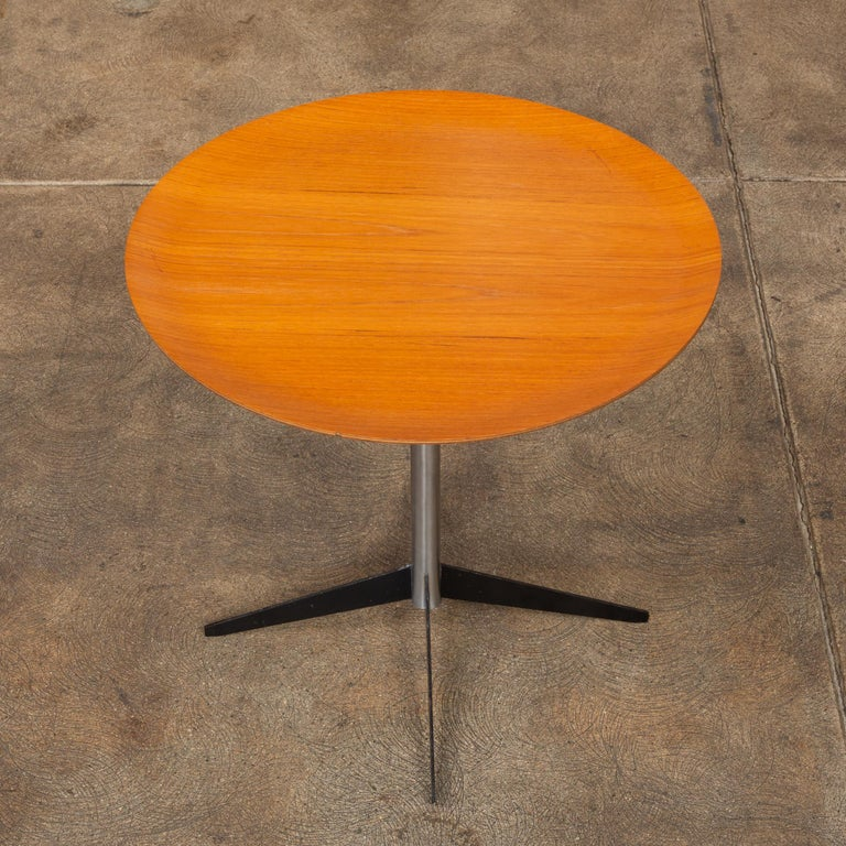 Mid-Century Modern George Nelson for Herman Miller Round Side Table For Sale