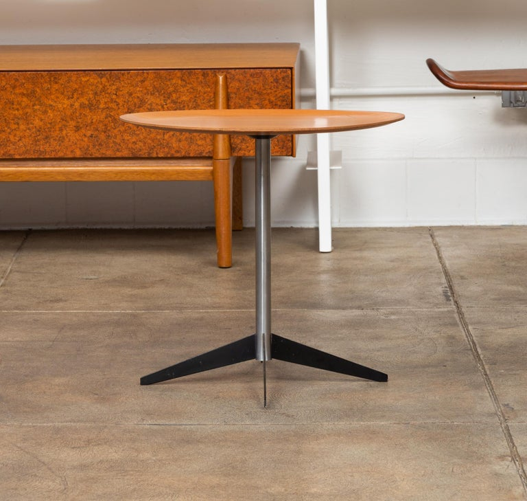 George Nelson for Herman Miller Round Side Table In Excellent Condition For Sale In Los Angeles, CA