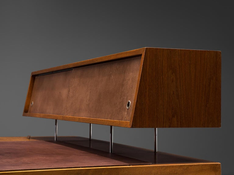 George Nelson Functional Desk in Walnut In Good Condition For Sale In Waalwijk, NL