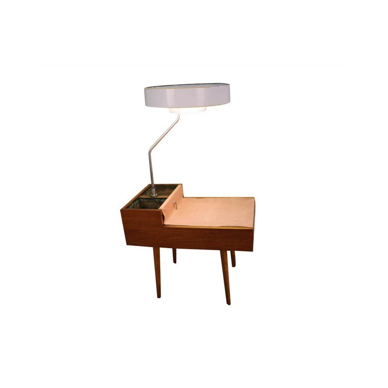 George Nelson Herman Miller Walnut Planter Lamp Table Model 4634-L For Sale 1
