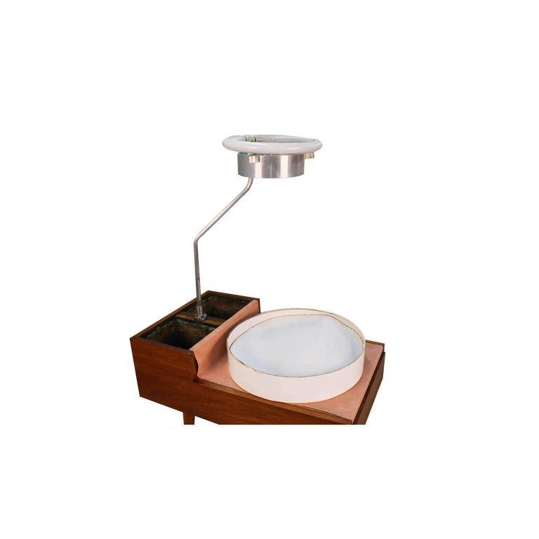 George Nelson Herman Miller Walnut Planter Lamp Table Model 4634-L For Sale 3