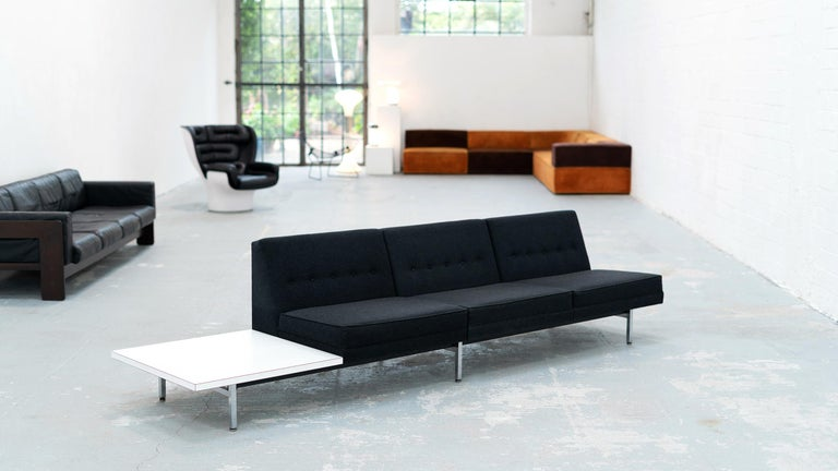 George Nelson for Herman Miller, 1960s, United States.  Very fine Modular §seater sofa by George Nelson (1908-1986) for Herman Miller. This sofa has a metal frame with square chrome-plated legs, the tufted back has some traits of Classic