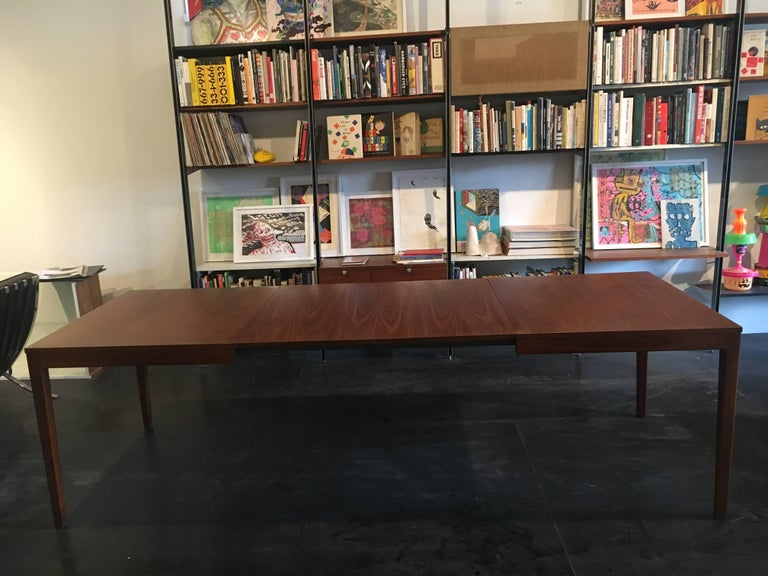 George Nelson Walnut Extension Dining Table, Herman Miller, 1950 In Excellent Condition For Sale In Brooklyn, NY