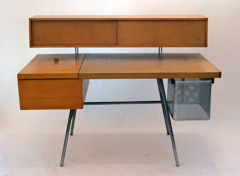 Mid-Century Modern George Nelson Wood and Leather Office Desk for Herman Miller, USA 1948 For Sale