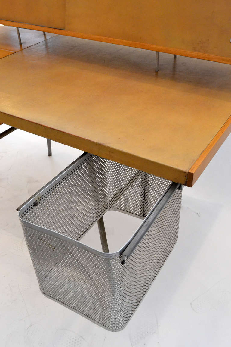 Mid-20th Century George Nelson Wood and Leather Office Desk for Herman Miller, USA 1948 For Sale