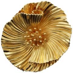 George Schuler 14 Karat Gold Flower Pin Vintage Designer Double Clip Brooch