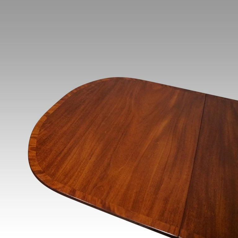 Mid-20th Century George V Mahogany Pedestal Dining Table
