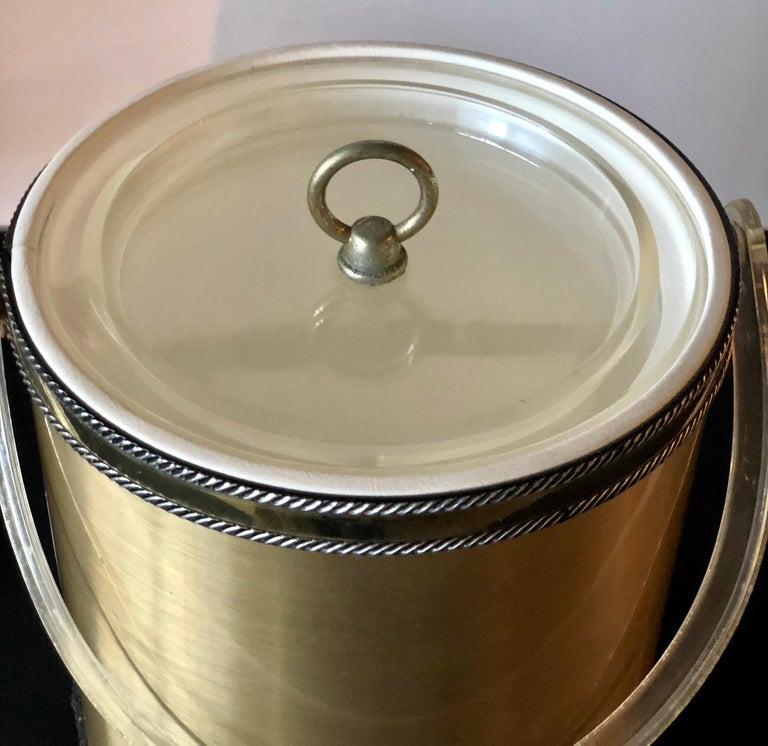 Georges Briard Brushed Brass with Rope Accents & Lucite Handle & Top Ice Bucket For Sale 8