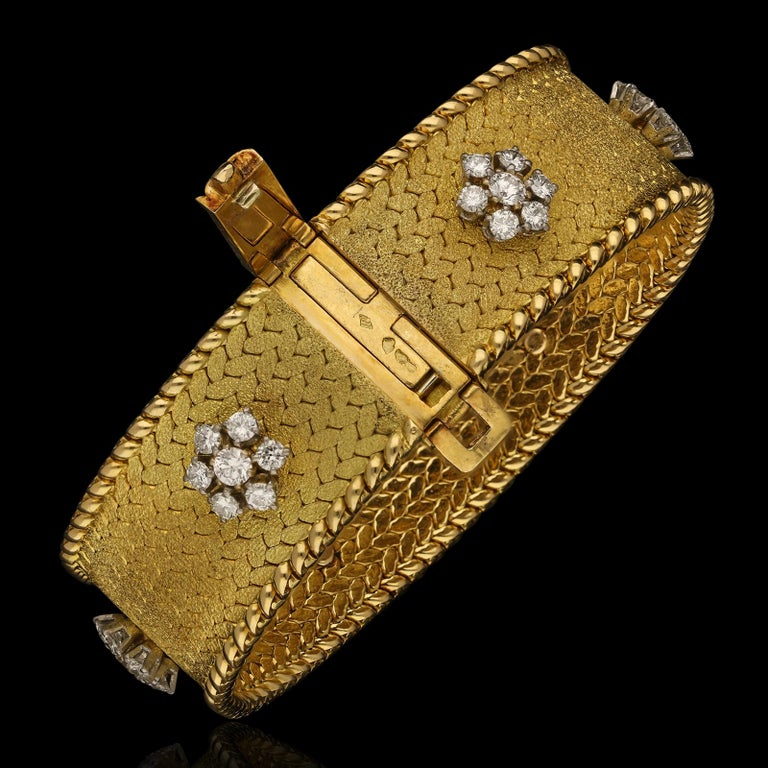Retro Georges Lenfant Diamond Cluster 18 Carat Gold Bracelet, circa 1965 For Sale
