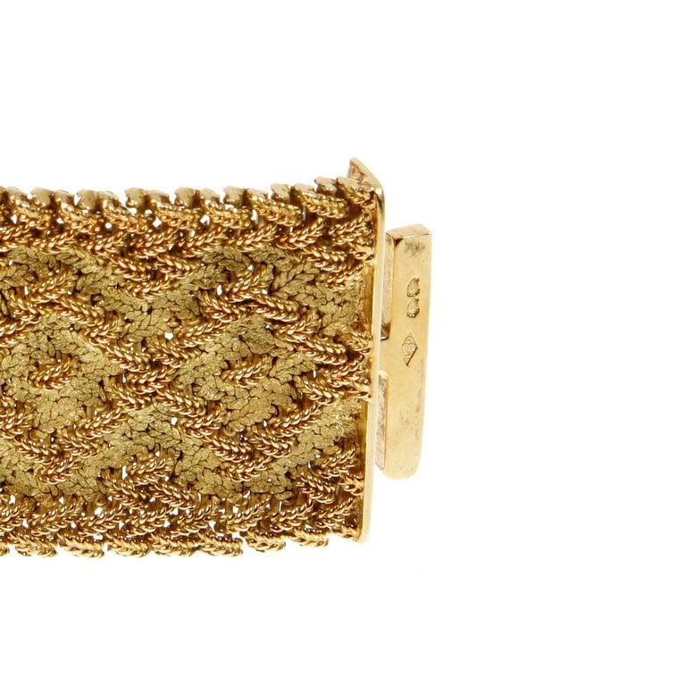 Georges L'Enfant Paris Vintage 1960s Gold Bracelet In Excellent Condition For Sale In Feasterville, PA