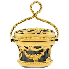 Georgian 15 Karat Gold and Carved Agate Rococo Vinaigrette Charm or Pendant