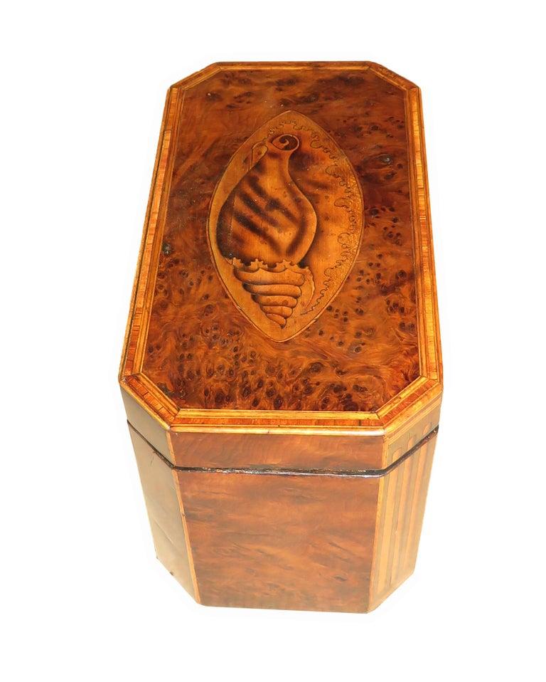 English Georgian 18th Century Burr Yew Wood Octagonal Tea Caddy For Sale