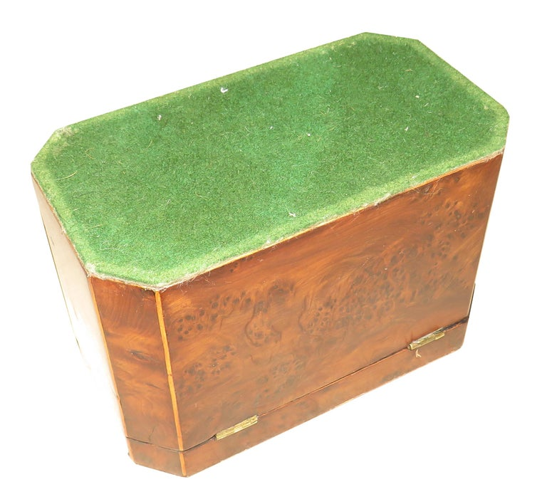 Georgian 18th Century Burr Yew Wood Octagonal Tea Caddy For Sale 3