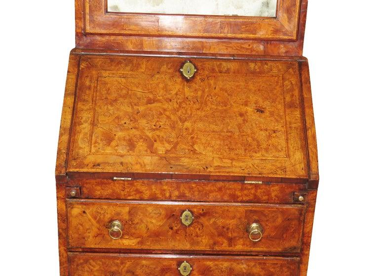 Georgian 18th Century Walnut Antique Bureau Bookcase In Good Condition In Bedfordshire, GB