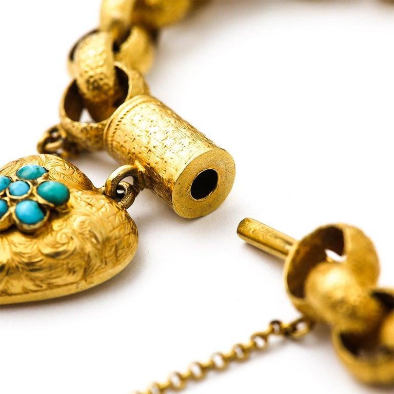 Georgian 20 Karat Gold Bracelet with Turquoise Heart Locket, circa 1820 In Good Condition For Sale In Lancashire, Lancashire